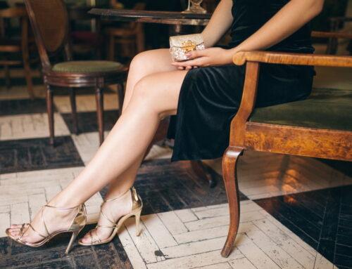 Sandale sau pantofi la rochie de seară? Cum alegi corect